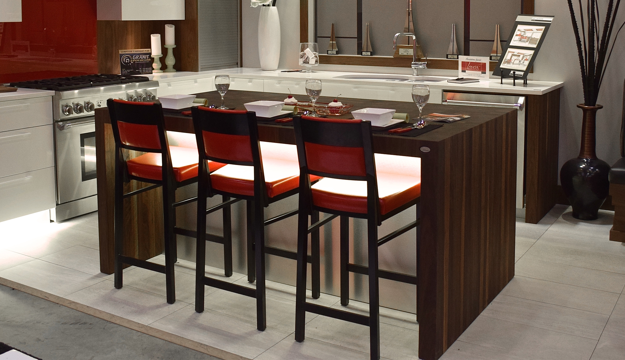 elegant comptoirs en bois u signature stphane dion with table de cuisine noir with comptoir de. Black Bedroom Furniture Sets. Home Design Ideas