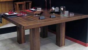 Table carré huit places