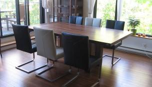 Table en bois classique - Signature Dion