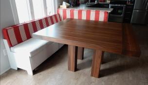 Table en bois carré