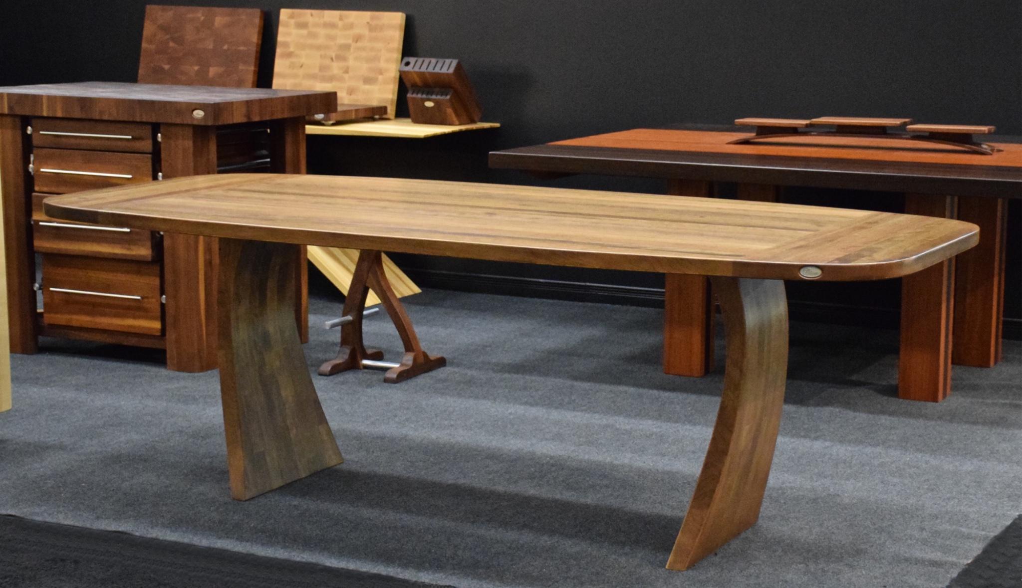 tables en bois massif ? signature stéphane dion - Mobilier De Cuisine En Bois Massif
